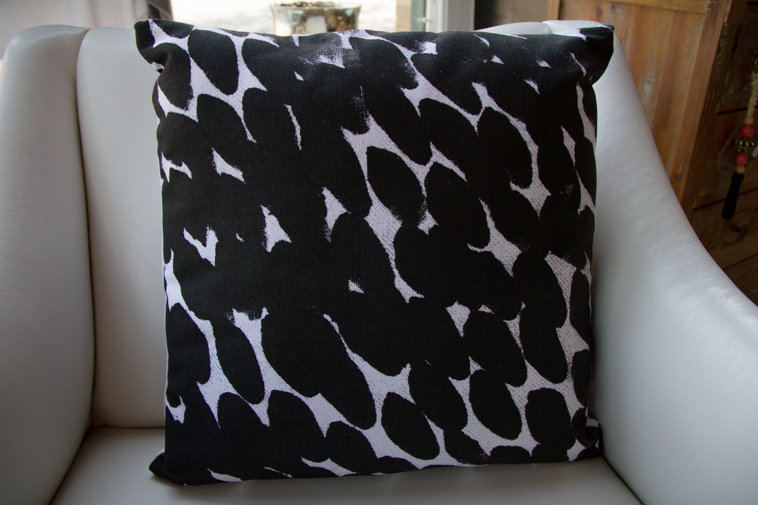 Hand Panted Design Throw Pillow
