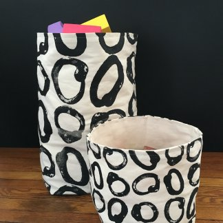 Circle Design Storage Tote